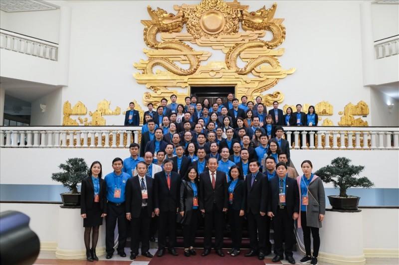 Phó Thủ tướng Thường trực Trương Hòa Bình gặp mặt 70 Chủ tịch Công đoàn cơ sở xuất sắc