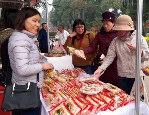 Hội chợ hàng hóa nông sản thực phẩm Tết Kỷ Hợi: Kích cầu mua sắm cuối năm