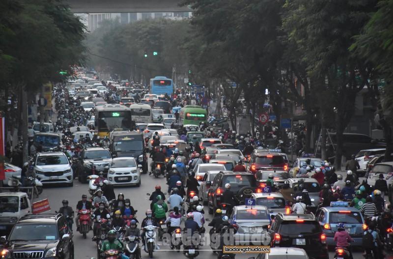 Tắc đường những ngày cận Tết – nỗi kinh hoàng của người dân Thủ đô