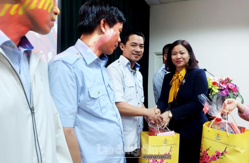 tham tang qua cho doan vien nguoi lao dong dip tet canh ty 2020