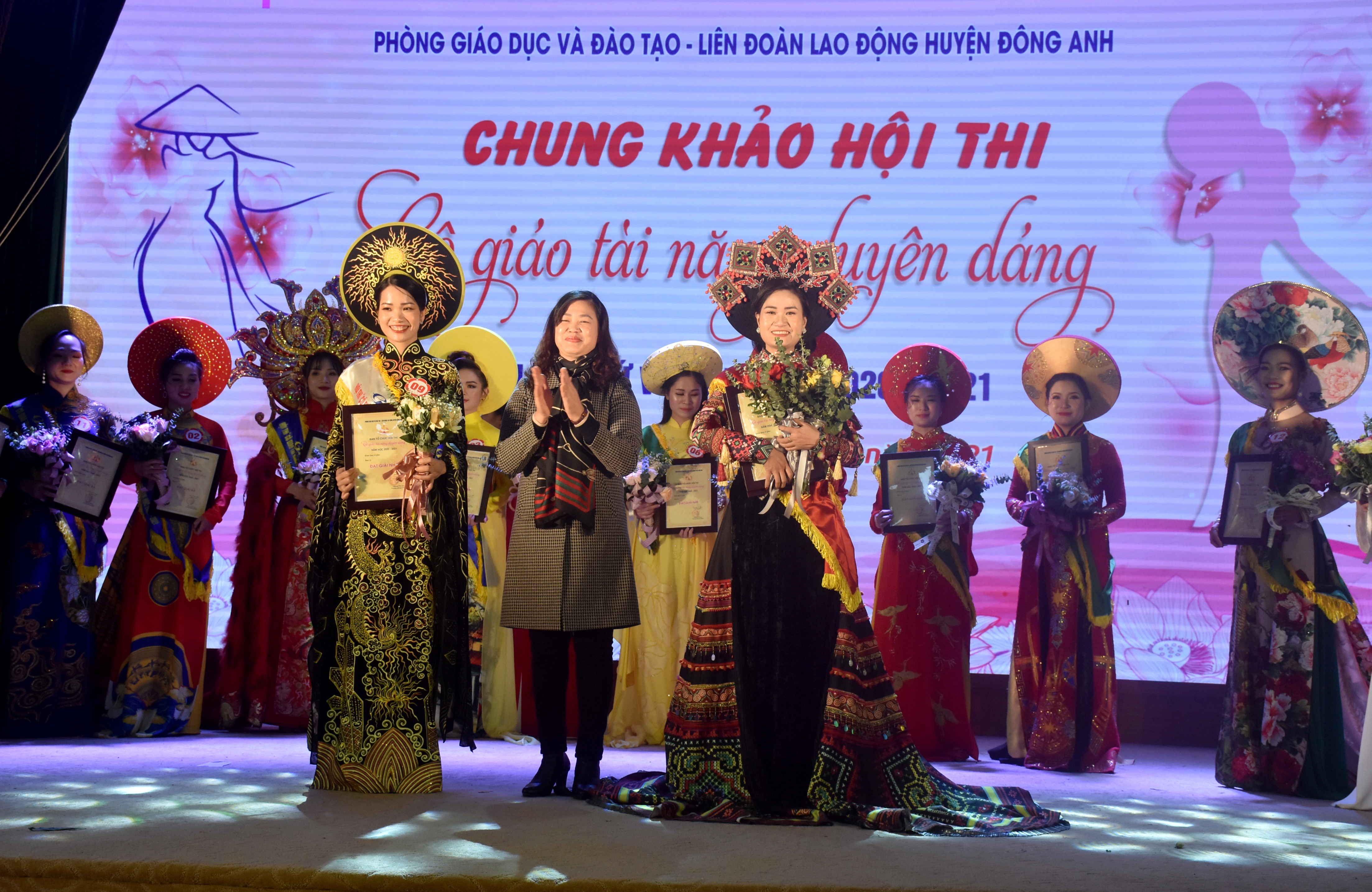 Tỏa sáng vẻ đẹp, tài năng của nữ nhà giáo huyện Đông Anh