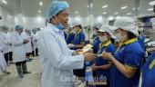 Phó Chủ tịch Thường trực LĐLĐ Thành phố Hà Nội thăm và chúc tết CNVCLĐ huyện Phúc Thọ