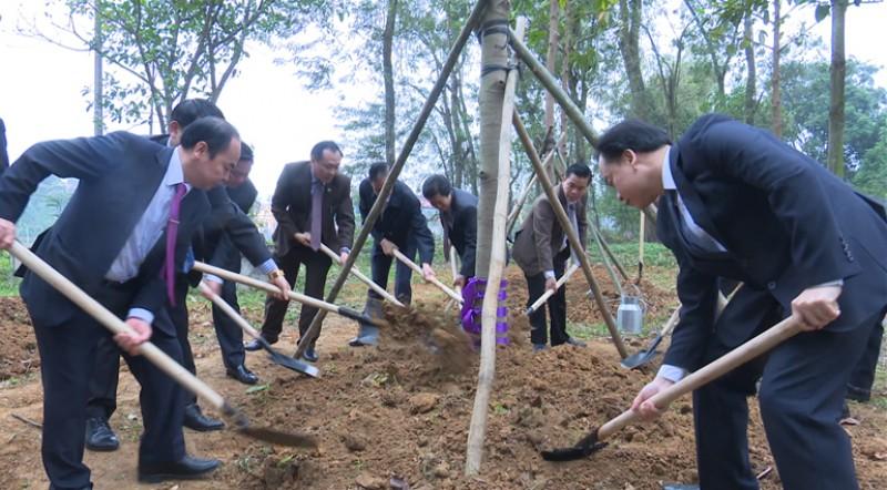 """Đông Anh: Phát động Tết trồng cây """"Đời đời nhớ ơn Bác Hồ"""""""