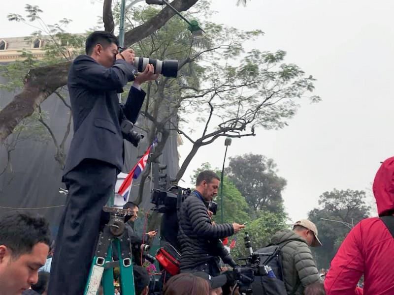 Muôn kiểu tác nghiệp của phóng viên tại Hội nghị Thượng đỉnh Mỹ - Triều