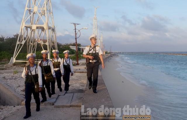 Những người con Hà Nội chung sức canh giữ biển đảo Tổ quốc
