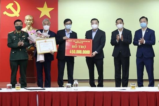 Chủ tịch Ủy ban nhân dân thành phố Hà Nội thăm các đơn vị làm nhiệm vụ phòng, chống dịch Covid-19