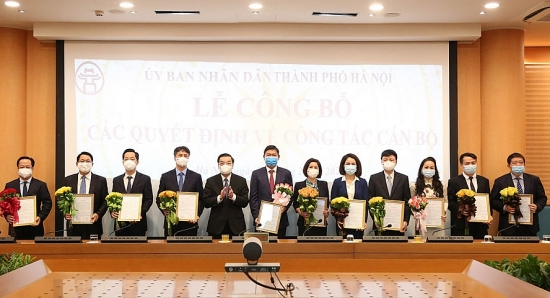 Ủy ban nhân dân thành phố Hà Nội công bố các quyết định về công tác cán bộ