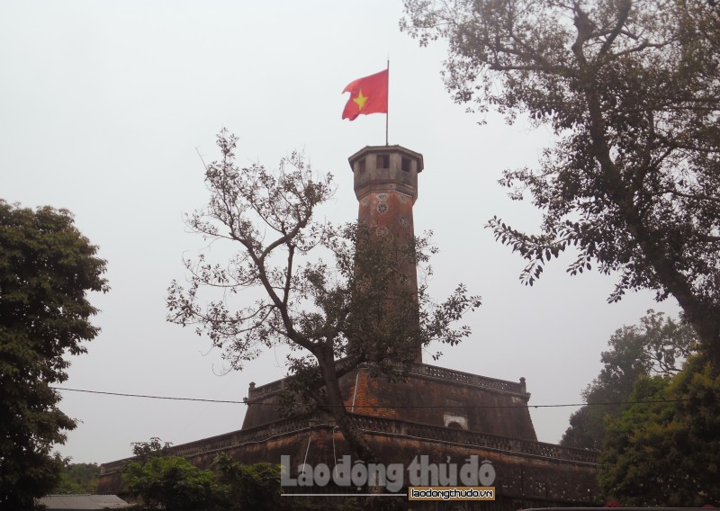 cot co ha noi net dep co kinh giua long thu do