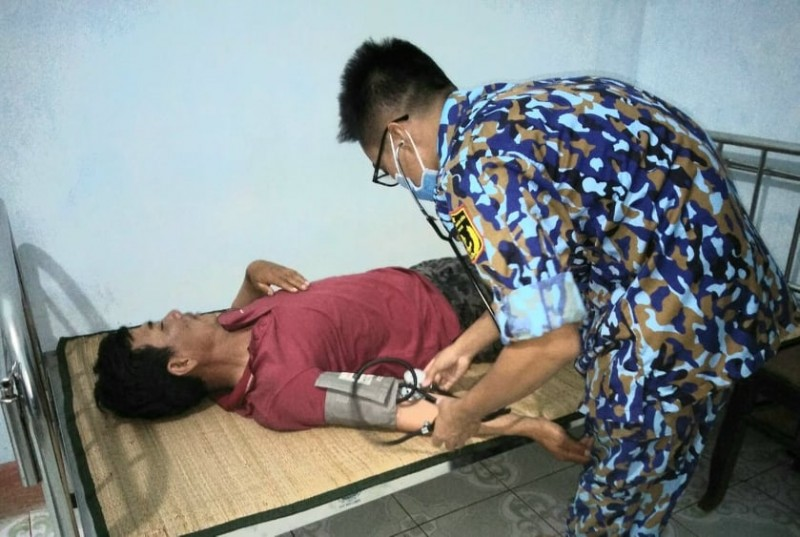 Nhiều ngư dân gặp nạn được quân y đảo Sơn Ca cứu chữa
