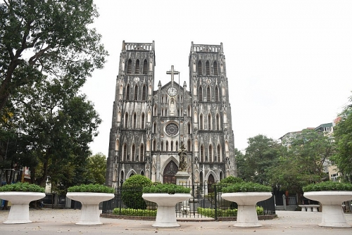 Phòng chống dịch Covid-19: Các nhà thờ ở Hà Nội tạm ngưng việc cử hành thánh lễ