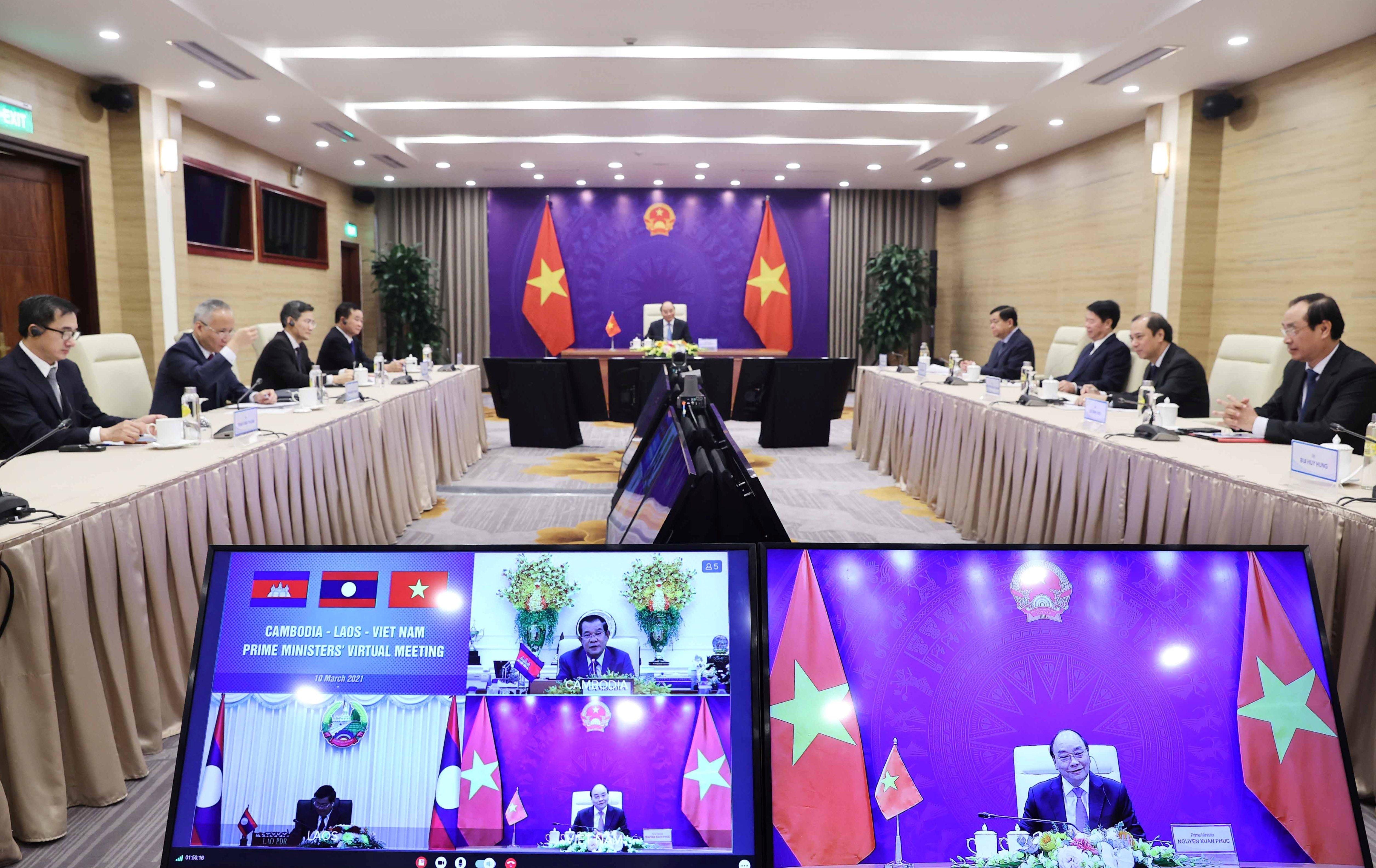 Việt Nam - Lào - Campuchia tiếp tục đẩy mạnh hợp tác, hỗ trợ trong phòng chống dịch Covid-19