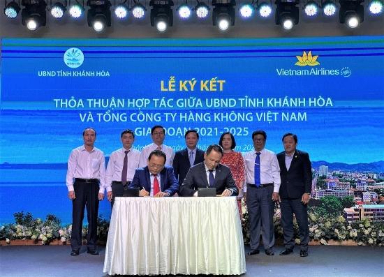 Vietnam Airlines và tỉnh Khánh Hòa ký kết thỏa thuận hợp tác giai đoạn 2021 - 2025
