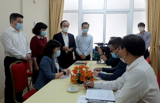 Chủ tịch Hội đồng nhân dân Thành phố kiểm tra công tác bầu cử tại quận Hoàn Kiếm