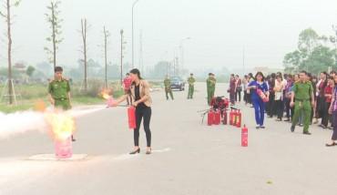Tập huấn nghiệp vụ phòng cháy và chữa cháy cho cán bộ hội phụ nữ