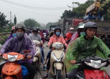 Hà Nội: Đường tắc kinh hoàng do người dân về quê nghỉ lễ