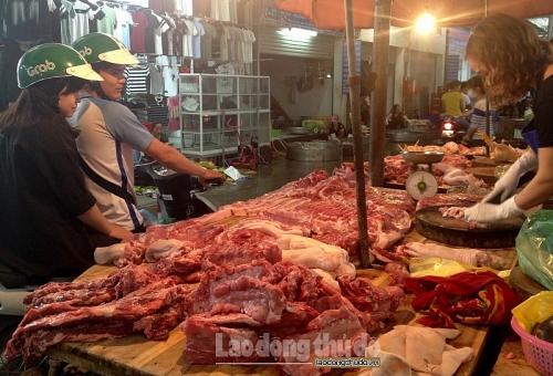 """Hà Nội: Không để người tiêu dùng """"quay lưng"""" với thịt lợn"""