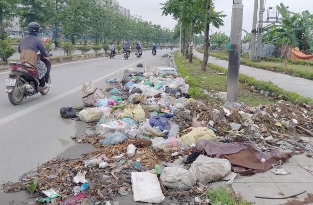 Quận Nam Từ Liêm: Rác thải bủa vây phố Trịnh Văn Bô