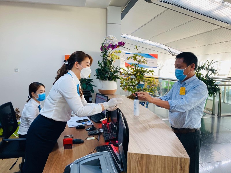 vietnam airlines mo cua tro lai he thong phong khach bong sen