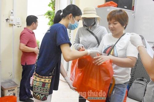 Tiếp thêm động lực giúp người khiếm thị Thanh Xuân vượt qua đại dịch Covid-19