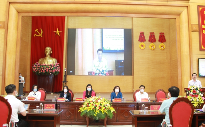 Người ứng cử đại biểu Hội đồng nhân dân thành phố Hà Nội tiếp xúc với cử tri quận Tây Hồ