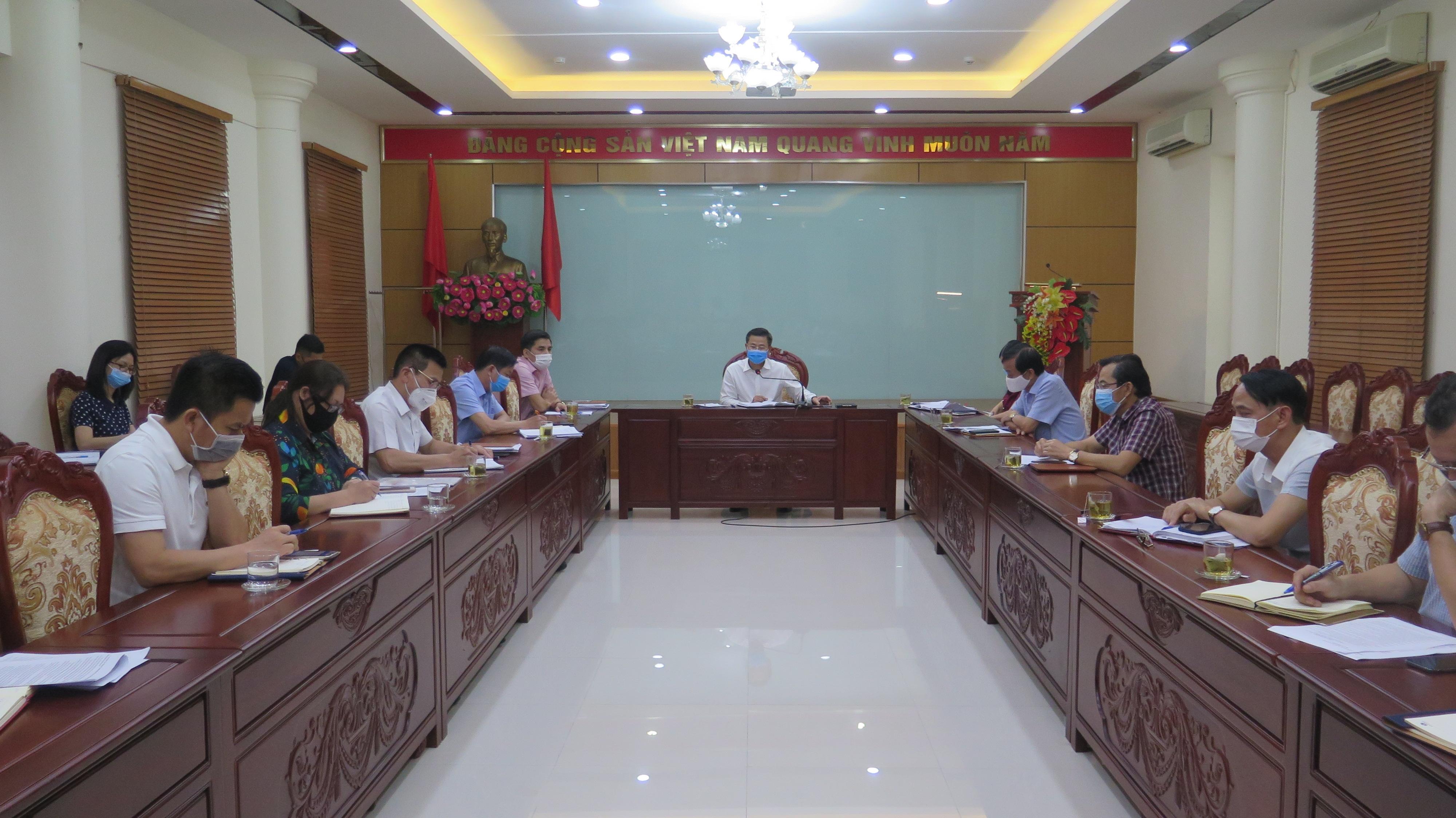 """5 ngày Hà Nội  đã """"thần tốc"""" thành lập 6.187 """"Tổ An toàn Covid-19"""" tại doanh nghiệp với 31.458 người tham gia"""