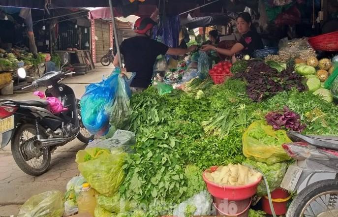 Đẩy mạnh công tác đảm bảo an toàn thực phẩm tại chợ đầu mối