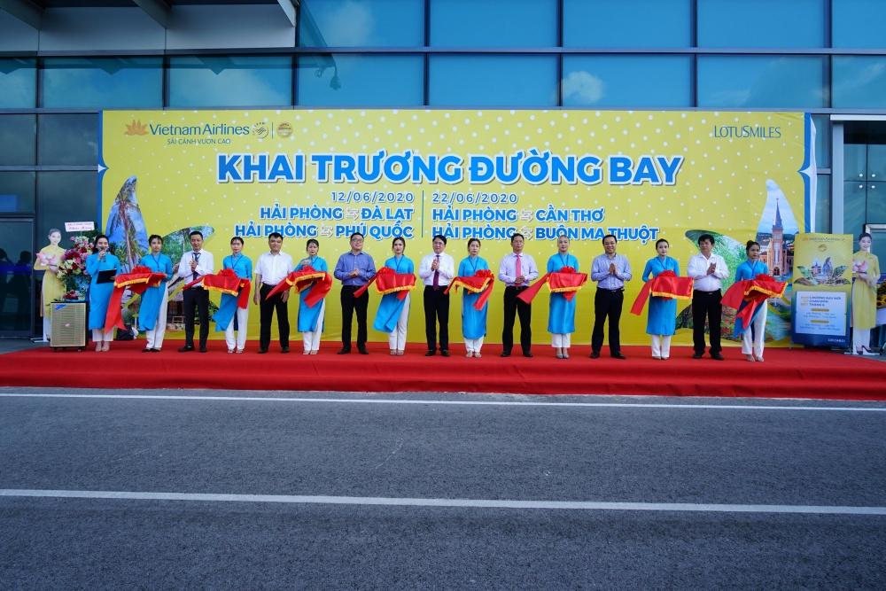 vietnam airlines khai truong 7 duong bay moi ket noi vinh hai phong voi cac dia phuong