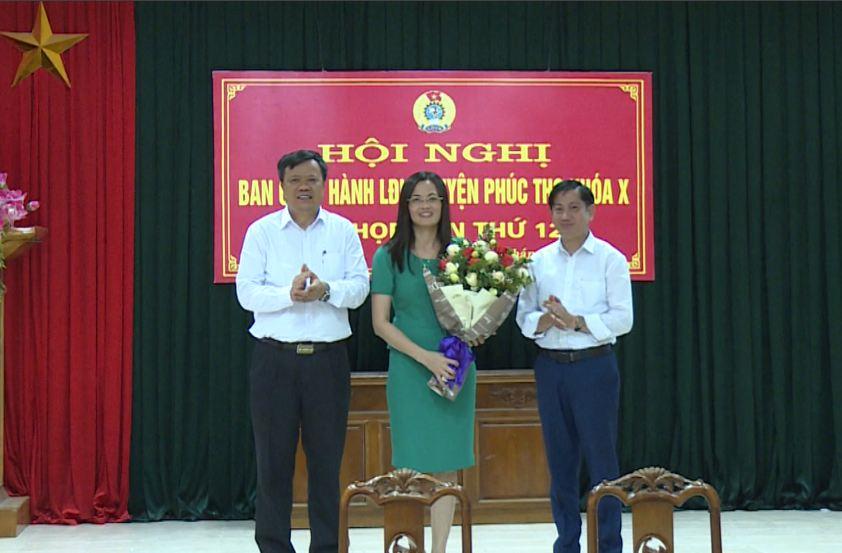 Đồng chí Nguyễn Thị Lan Anh được bầu giữ chức Chủ tịch Liên đoàn Lao động huyện Phúc Thọ