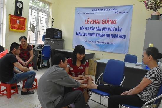 Đào tạo, nâng cao tay nghề cho người khiếm thị