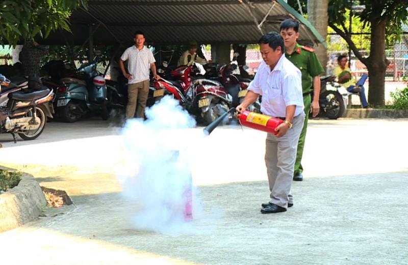 Tập huấn nghiệp vụ phòng cháy, chữa cháy cho chủ các xưởng sản xuất tư nhân