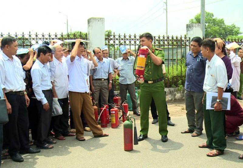 Tập huấn phòng cháy chữa cháy cho người quản lý, trông coi di tích