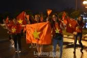 Hà Nội: Hàng vạn người xuống đường ăn mừng Olympic Việt Nam vào bán kết Asiad 2018