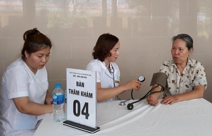 Tư vấn sức khỏe, trị liệu miễn phí cho tăng ni phật tử