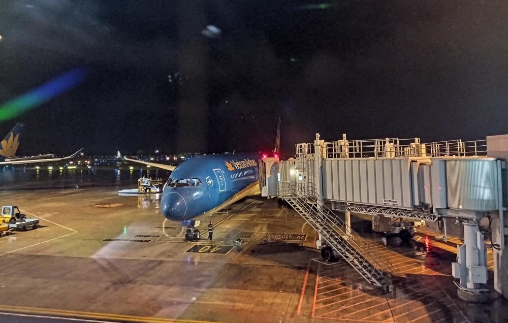 Chuyến bay thẳng đầu tiên tới Texas đưa công dân Việt Nam về nước an toàn