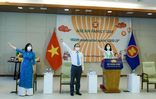 ASEAN đoàn kết chung tay đẩy lùi Covid-19