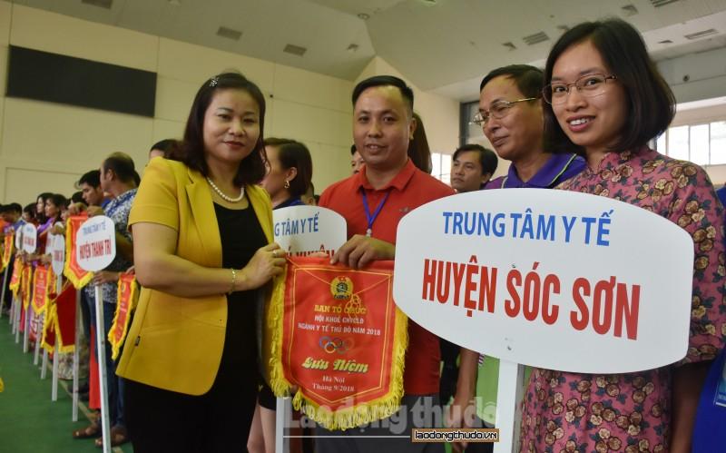 hon 1000 cnvcld tham gia hoi khoe nganh y te thu do nam 2018