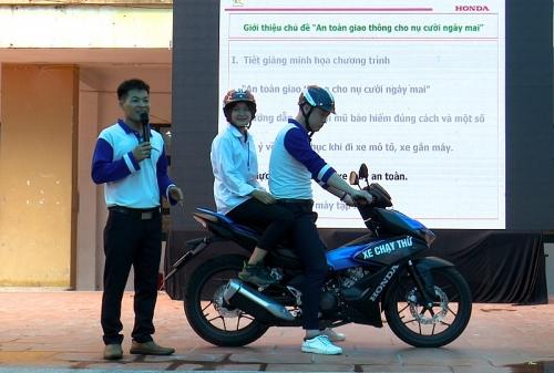Phối hợp tuyên truyền pháp luật về an toàn giao thông cho học sinh