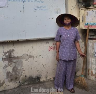 Gặp người công dân tình nguyện thu gom rác để phố phường sạch đẹp
