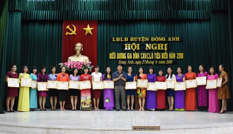 Phát huy vai trò của nữ công nhân, viên chức, lao động