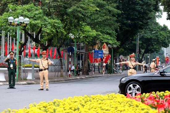 Lực lượng chức năng đảm bảo an toàn giao thông phục vụ Đại hội đại biểu lần thứ XVII Đảng bộ thành phố Hà Nội