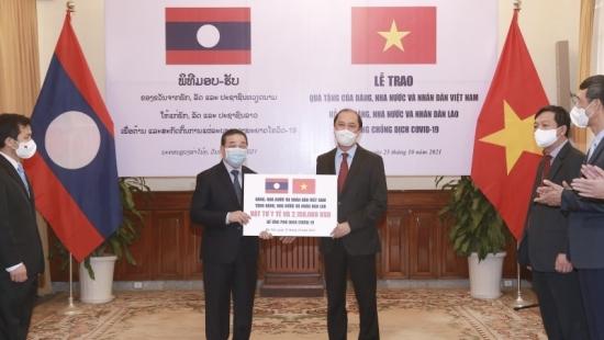 Việt Nam hỗ trợ khẩn cấp Lào ứng phó với đợt dịch Covid-19 mới