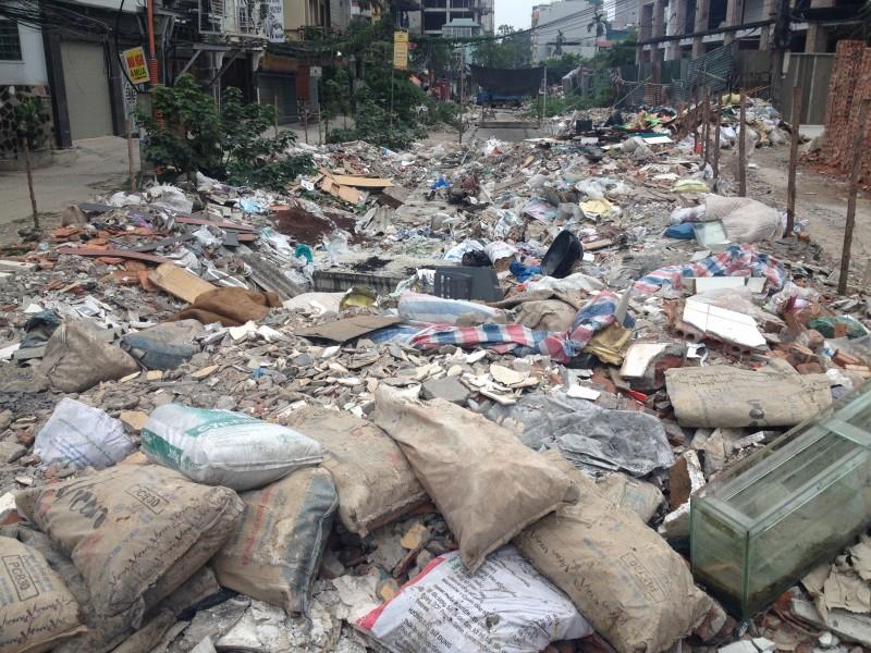 Dân khốn khổ vì sống chung với ô nhiễm
