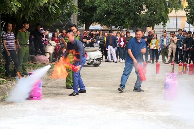 Tập huấn nghiệp vụ phòng cháy chữa cháy cho trên 200 cơ sở kinh doanh có điều kiện