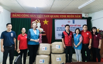 Hỗ trợ đồ dùng gia đình cho người dân miền Trung