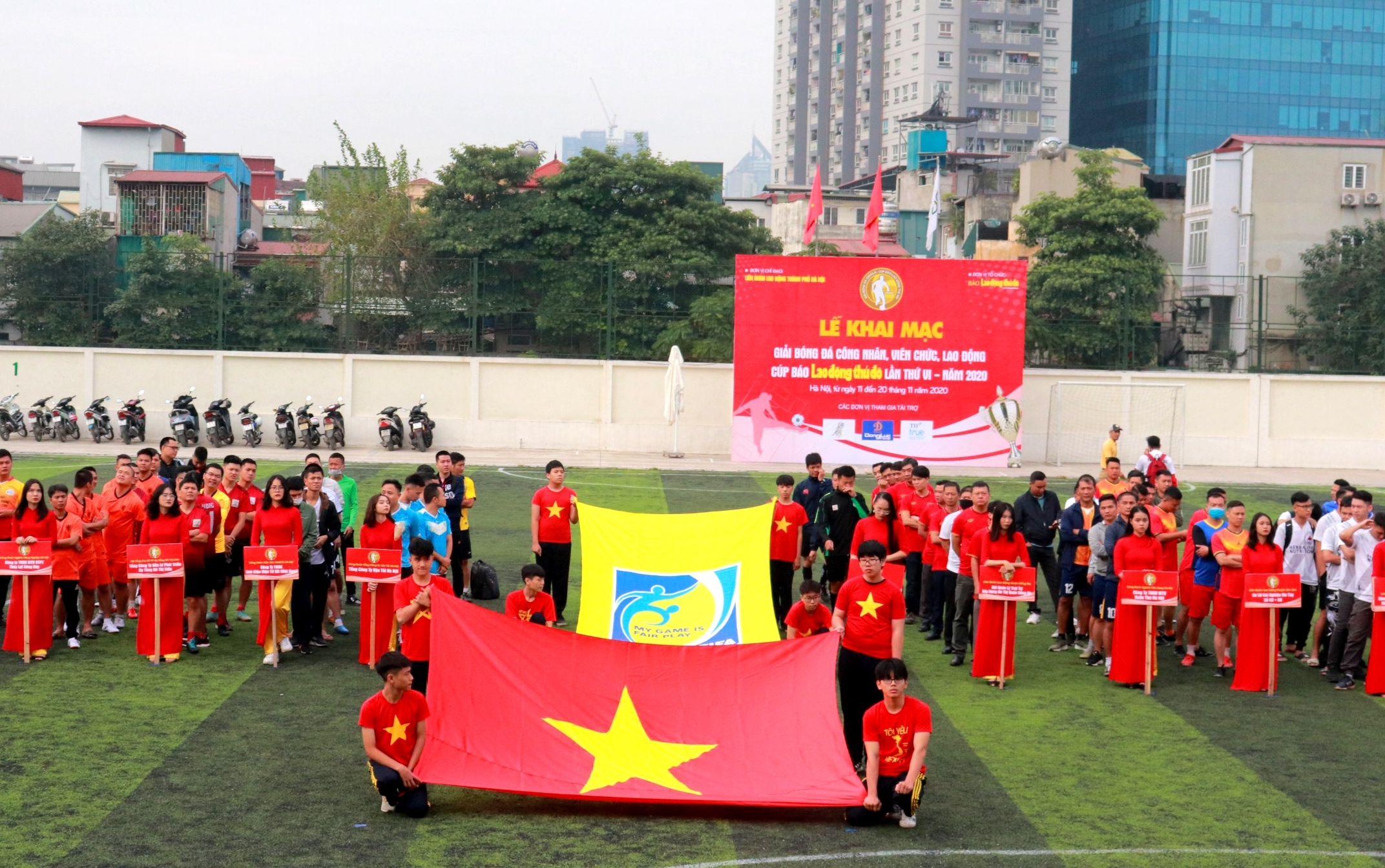 Khai mạc Giải bóng đá công nhân viên chức lao động Cúp Báo Lao động Thủ đô lần thứ VI