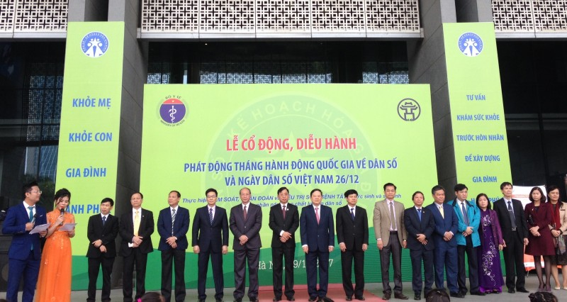 phat dong thang hanh dong quoc gia ve dan so 2017