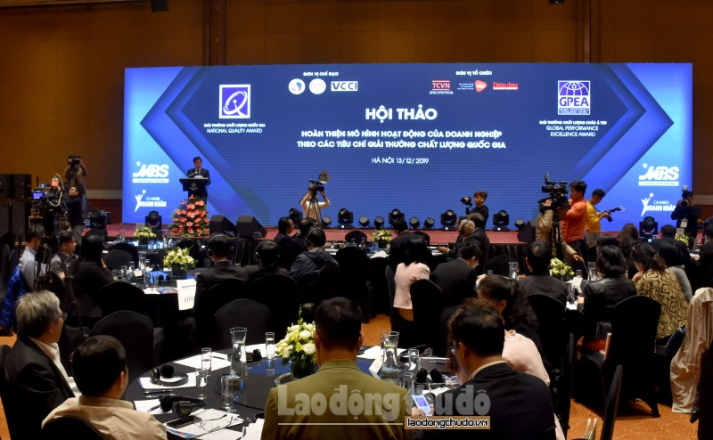 Nâng cao năng lực cạnh tranh của doanh nghiệp Việt