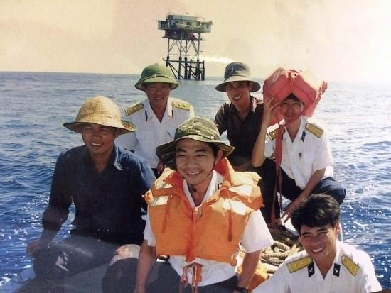 Gái Thủ đô làm dâu lính biển