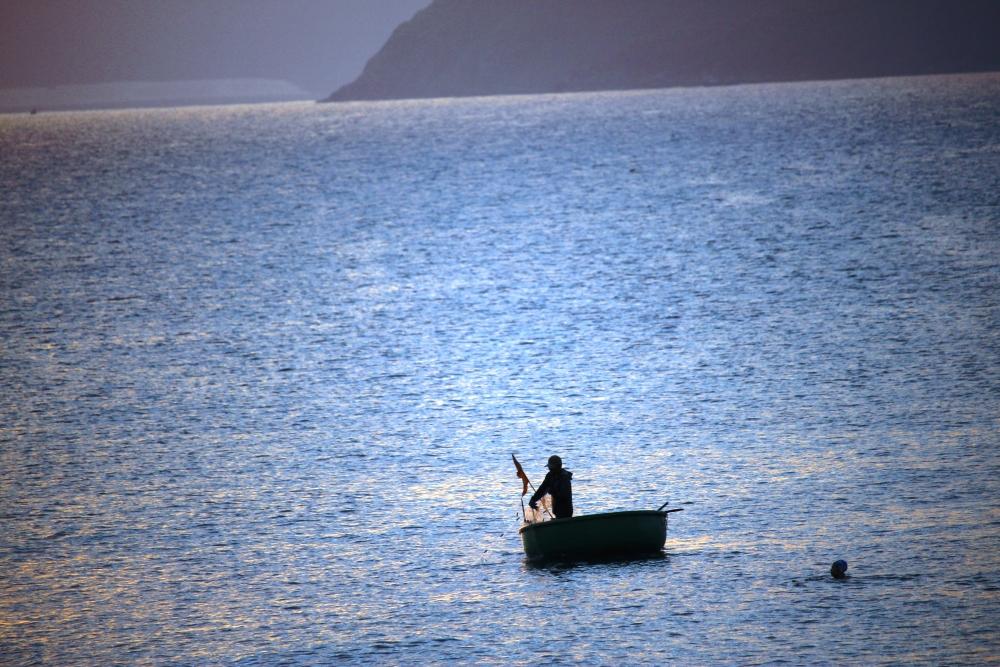 Tiều phu cửa biển, ảnh Mai Thắng