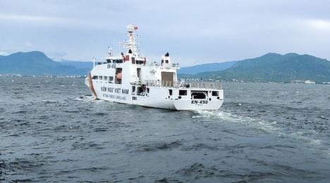 Quân chủng Hải quân điều nhiều tàu  và máy bay thủy phi cơ ra biển cứu nạn ngư dân